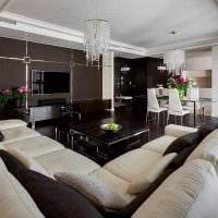 вариант яркого интерьера квартиры 2017 года фото