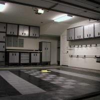 вариант современного интерьера гаража картинка