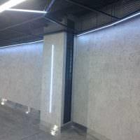 вариант яркой декоративной штукатурки в интерьере спальни под бетон картинка