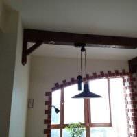идея красивого декора квартиры с декоративными балками картинка