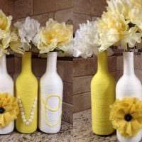 идея необычного декорирования стеклянных бутылок солью картинка