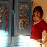 вариант красивого украшения холодильника на кухне картинка