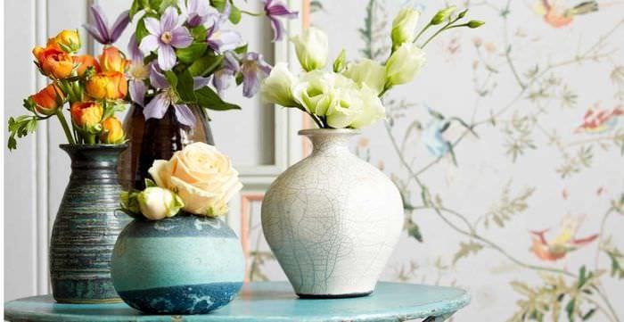 вариант необычного оформления напольной вазы