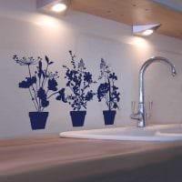 идея оригинального дизайна комнаты с декоративным рисунком на стене фото