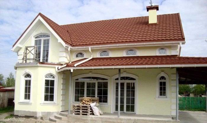 идея яркого фасада дома