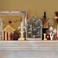 вариант красивого интерьера комнаты с декоративной клеткой фото