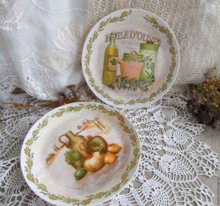 Декоративные тарелки на стену: способы декорирования, 75 фото, видео 18