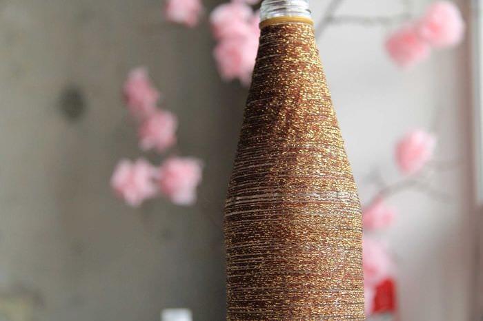 вариант красивого украшения напольной вазы