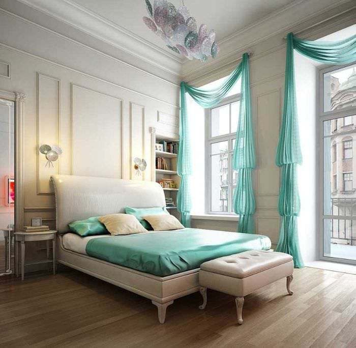 вариант яркого декорирования интерьера спальной комнаты