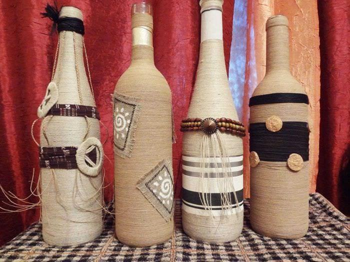 вариант оригинального декорирования стеклянных бутылок солью