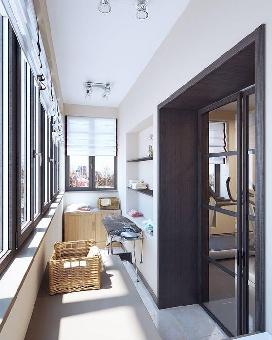 Интересные дизайнерские решения присоединения лоджии к гостиной.