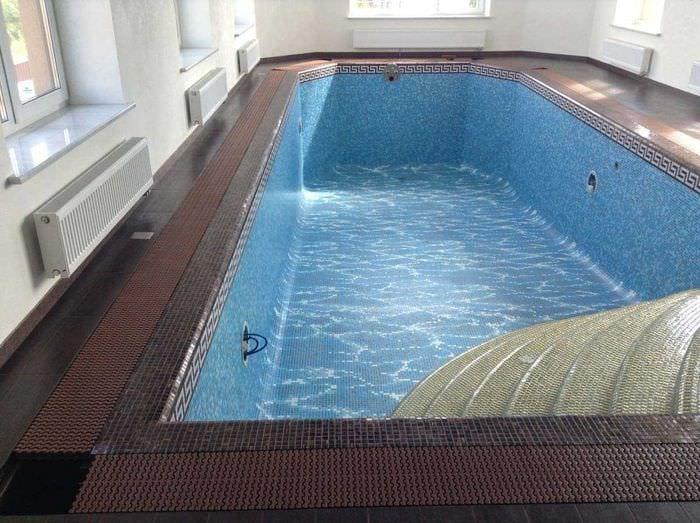 вариант красивого стиля маленького бассейна