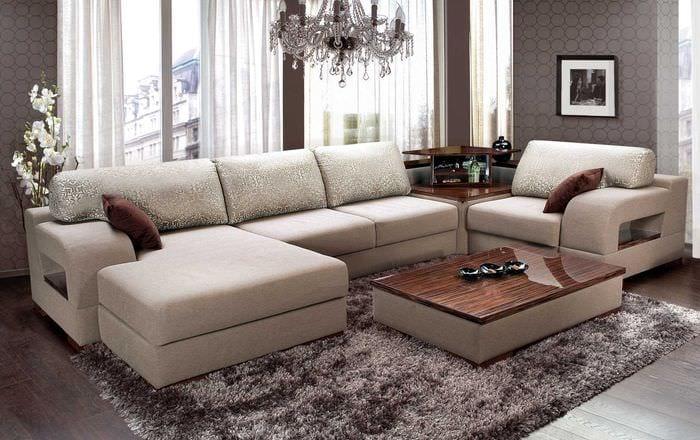 вариант оригинального дизайна комнаты с диваном
