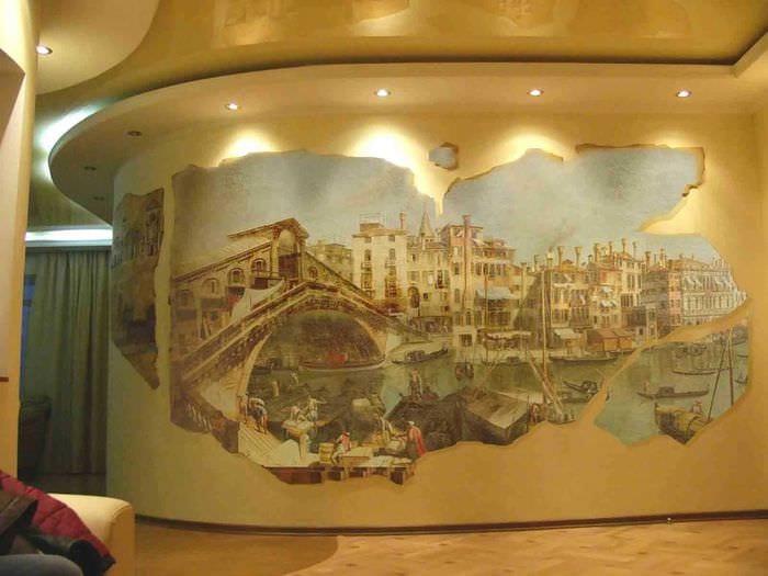 идея необычного интерьера квартиры с декоративным рисунком на стене