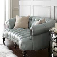 вариант современного дизайна комнаты с диваном фото