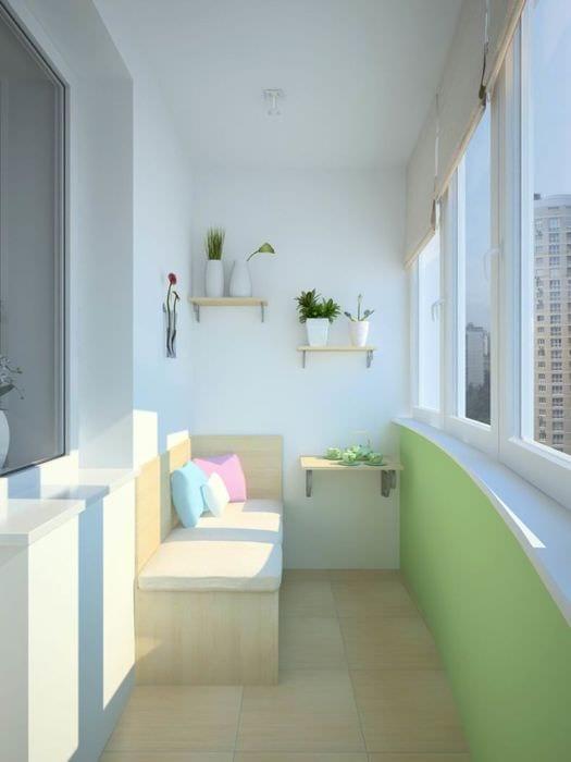 идея необычного дизайна небольшого балкона