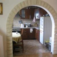 вариант оригинального дизайна гостиной с аркой фото
