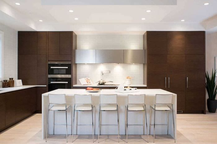 вариант красивого интерьера кухни