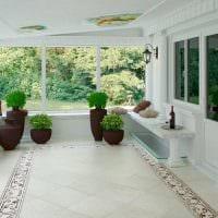 вариант оригинального дизайна веранды в доме картинка