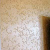 идея красивого интерьера комнаты с декоративным рисунком на стене картинка