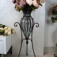 вариант красивого дизайна напольной вазы с декоративными ветками картинка