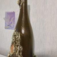 идея оригинального декорирования стеклянных бутылок красками фото