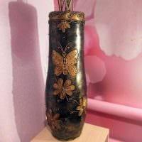 вариант яркого украшения настольной вазы фото