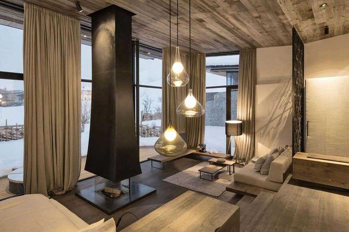 идея яркого дерева в стиле квартиры