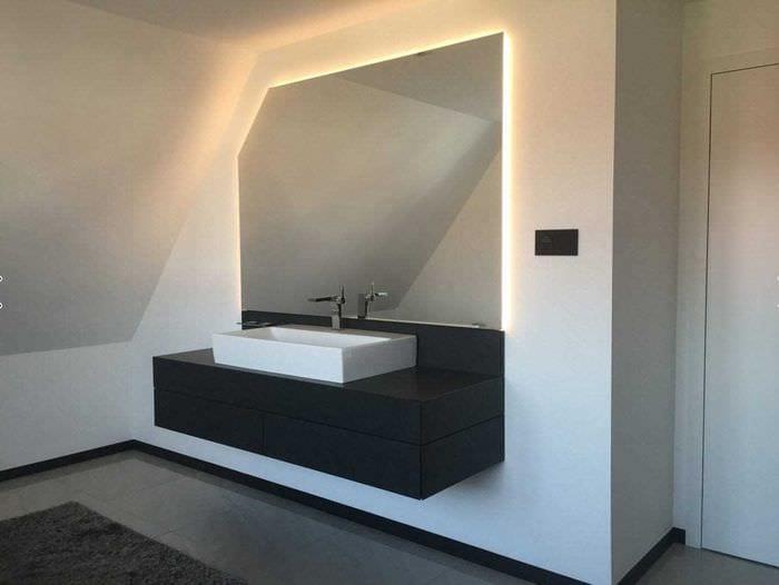 вариант красивого дизайна белой ванной