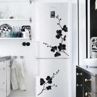 вариант красивого оформления холодильника картинка