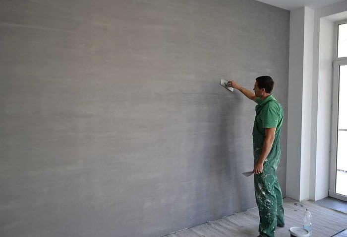 вариант яркой декоративной штукатурки в интерьере квартиры под бетон