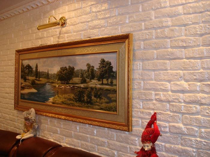 идея применения необычного декоративного кирпича в стиле гостиной