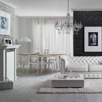 идея применения яркого декоративного кирпича в интерьере квартиры фото