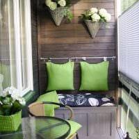 вариант красивого интерьера небольшого балкона фото