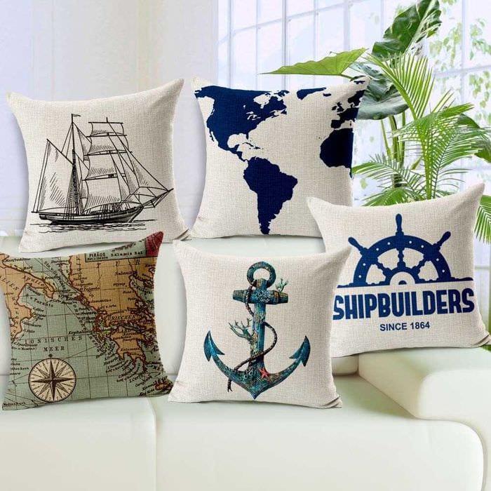 вариант красивых декоративных подушек в дизайне спальни