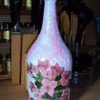 вариант яркого декорирования бутылок солью картинка
