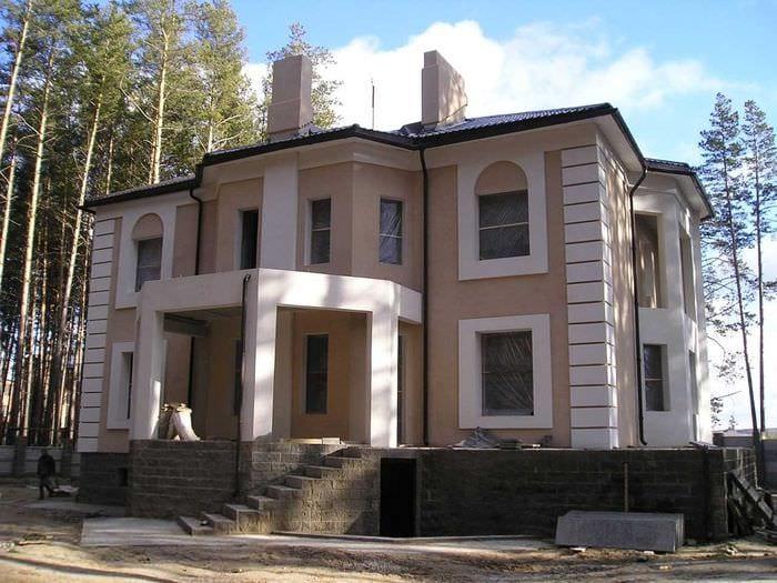 вариант яркого фасада дома