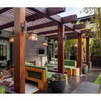 вариант яркого дизайна веранды в доме фото
