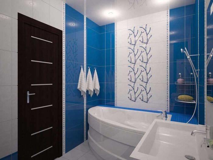 идея необычного интерьера ванной комнаты 2.5 кв.м