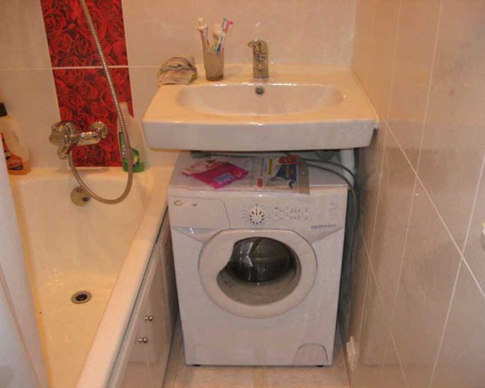 идея красивого стиля ванной комнаты 3 кв.м