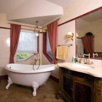 вариант необычного стиля ванной комнаты с окном фото