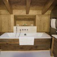 вариант красивого дизайна ванной в деревянном доме картинка