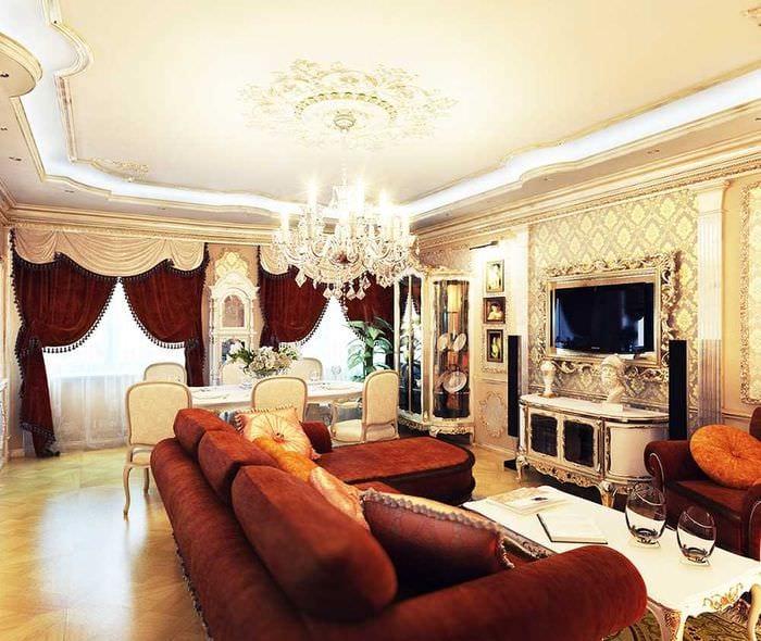 вариант яркого интерьера гостиной в частном доме