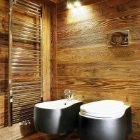 вариант красивого интерьера ванной комнаты в деревянном доме картинка