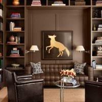 идея сочетания насыщенного коричневого цвета в дизайне гостиной картинка