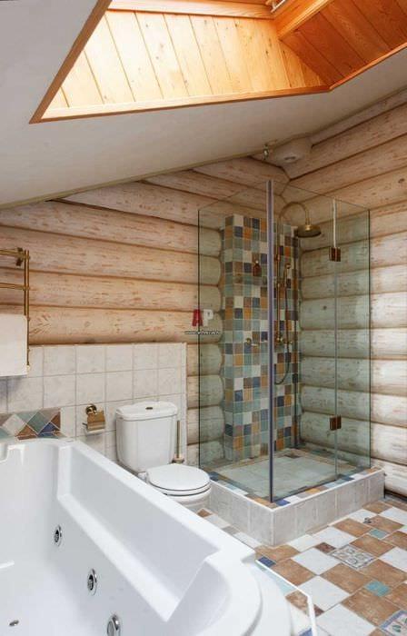 идея необычного стиля ванной комнаты в деревянном доме