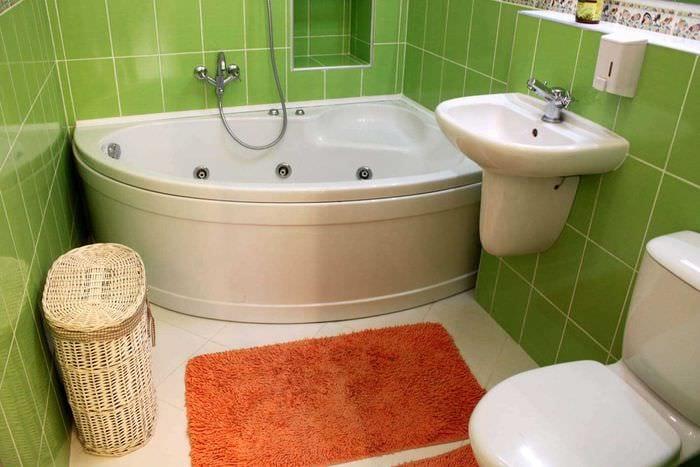 вариант необычного интерьера ванной комнаты 2.5 кв.м