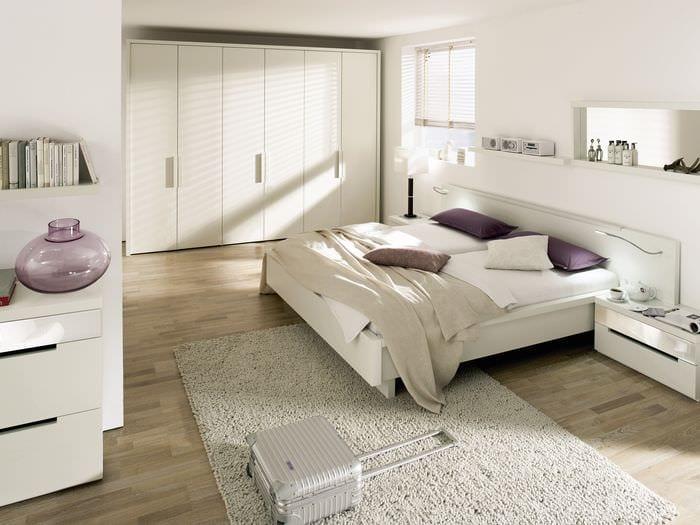 идея светлого декора квартиры в светлых тонах в современном стиле