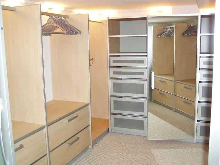 Как сделать шкаф-купе своими