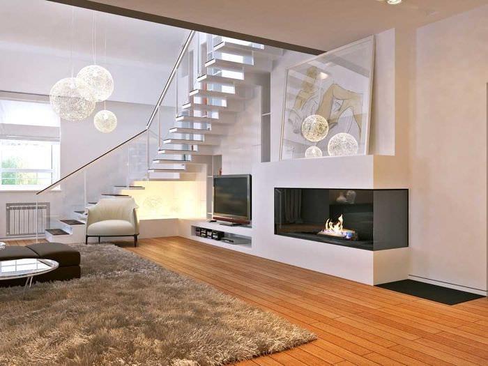 вариант яркого стиля дома со вторым светом